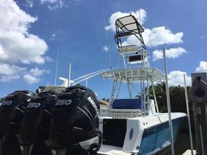 Used Contender Triple 250hp Verado's Center Console Fishing Boat For Sale