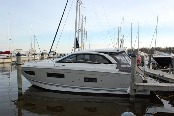 Used Jeanneau 40 Leader Cruiser Boat For Sale