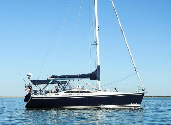 Used Delphia 40.3 Cruiser Sailboat For Sale
