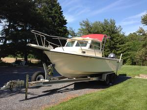 Used Parker 2320 SL Sport Cabin Center Console Fishing Boat For Sale