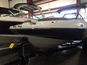 Used Bayliner 215 Motor Yacht For Sale