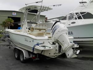 Used Pioneer 222 Islander Center Console Fishing Boat For Sale
