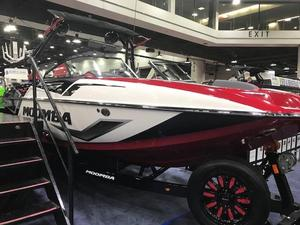 New Moomba Mojo Pro Ski and Wakeboard Boat For Sale