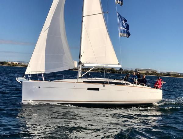 Used Jeanneau Sun Odyssey 349 Racer and Cruiser Sailboat For Sale