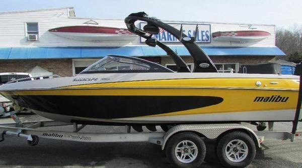 Used Malibu Sunscape 21.5 LSV Ski and Wakeboard Boat For Sale