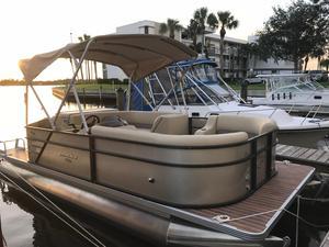 Used Crest I 200 L Pontoon Boat For Sale