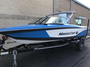 Used Mastercraft ProStarProStar Ski and Wakeboard Boat For Sale