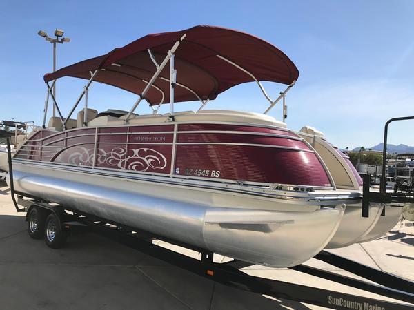 Used Bennington 2575 QCW I/O Pontoon Boat For Sale