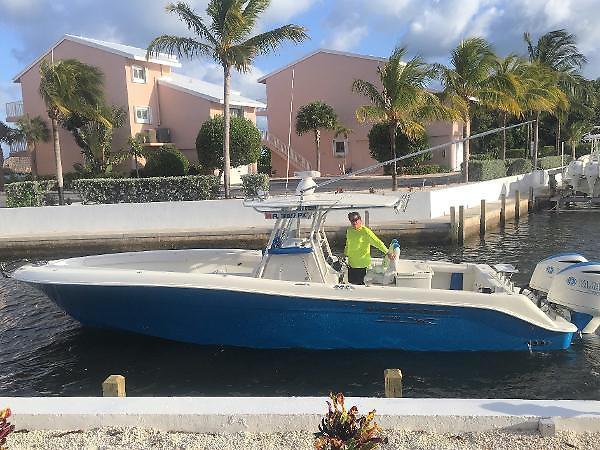 Used Hydra-Sports 3400 Custom Sports Fishing Boat For Sale