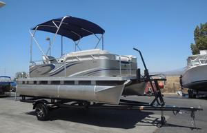 New Qwest Edge 816 CruiseEdge 816 Cruise Pontoon Boat For Sale