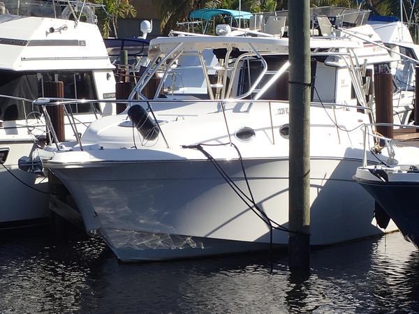 Used Seaswirl Striper 3301 WA Walkaround Fishing Boat For Sale