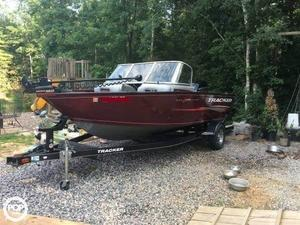 Used Tracker Pro guide V-175Combo Aluminum Fishing Boat For Sale