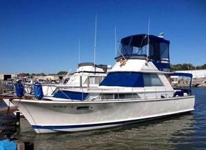 Used Chris-Craft 38 Commander Flybridge Boat For Sale