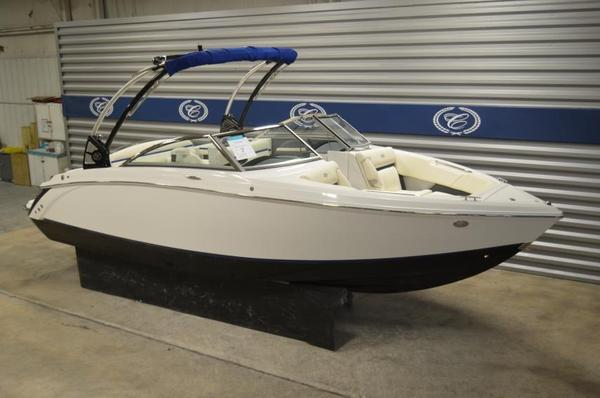 New Cobalt R3 Surf Ski and Wakeboard Boat For Sale