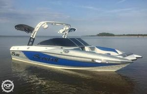 Used Supreme S 226 Ski and Wakeboard Boat For Sale