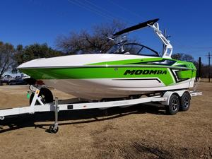 New Moomba CrazCraz Ski and Wakeboard Boat For Sale