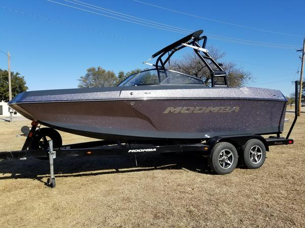 New Moomba HelixHelix Ski and Wakeboard Boat For Sale