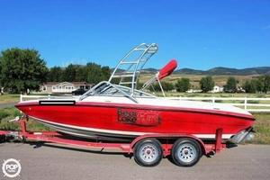 Used Blue Water Boats Cascade BR 20 Bowrider Boat For Sale