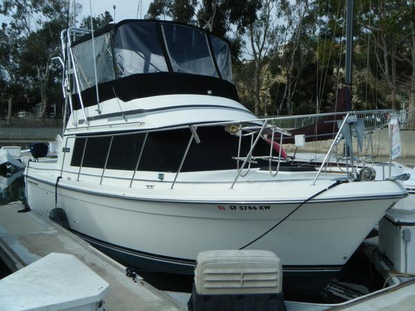 Used Carver 28 Voyager Convertible Fishing Boat For Sale