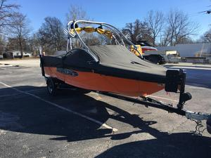 Used Nautique SV211 V Ski and Wakeboard Boat For Sale