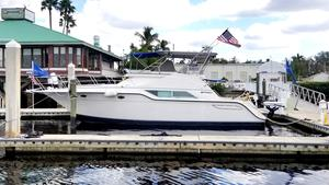 Used Cruisers Yachts 4285 Express Bridge Express Cruiser Boat For Sale