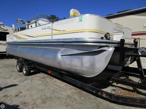 Used Lowe Suncruiser 224 Trinidad Pontoon Boat For Sale