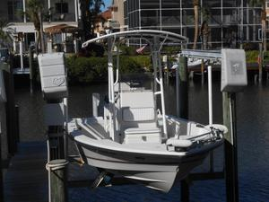 Used Pathfinder 22 Tournament CC Center Console Fishing Boat For Sale