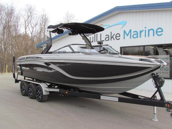 New Centurion Ri257 Ski and Wakeboard Boat For Sale