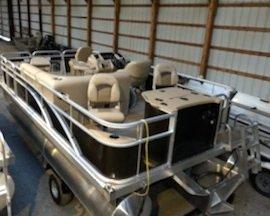 New Bennington 18 SF Pontoon Boat For Sale