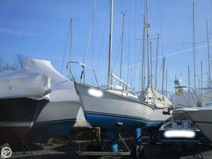 Used C & C Yachts 27 Mark V Racer and Cruiser Sailboat For Sale