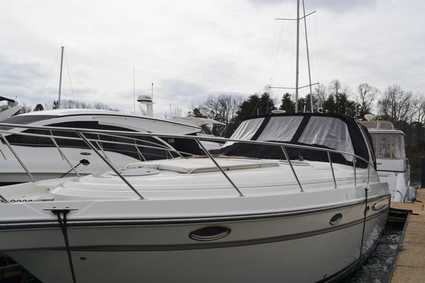 Used Maxum 3700 SCR Express Cruiser Boat For Sale