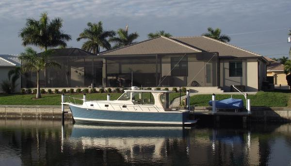 Used Mainship Rum Runner Classic Hardtop Trawler Boat For Sale
