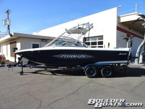 Used Moomba Mobius XLV Ski and Wakeboard Boat For Sale