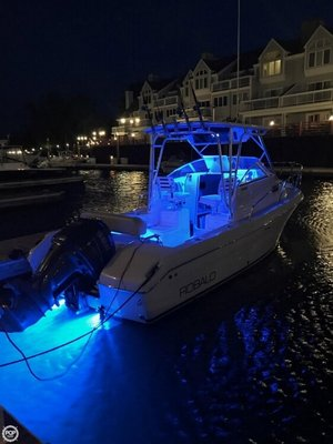 Used Robalo R235 Walkaround Fishing Boat For Sale