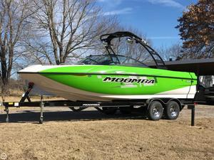 Used Moomba Mojo 2.5 Ski and Wakeboard Boat For Sale