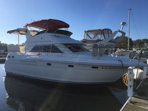 Used Cruisers Yachts 3650 Aft Cabin Express Cruiser Boat For Sale