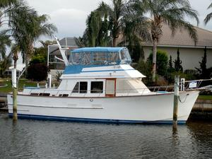 Used Ocean Alexander 43 Double / Trunk Cabin MY Aft Cabin Boat For Sale