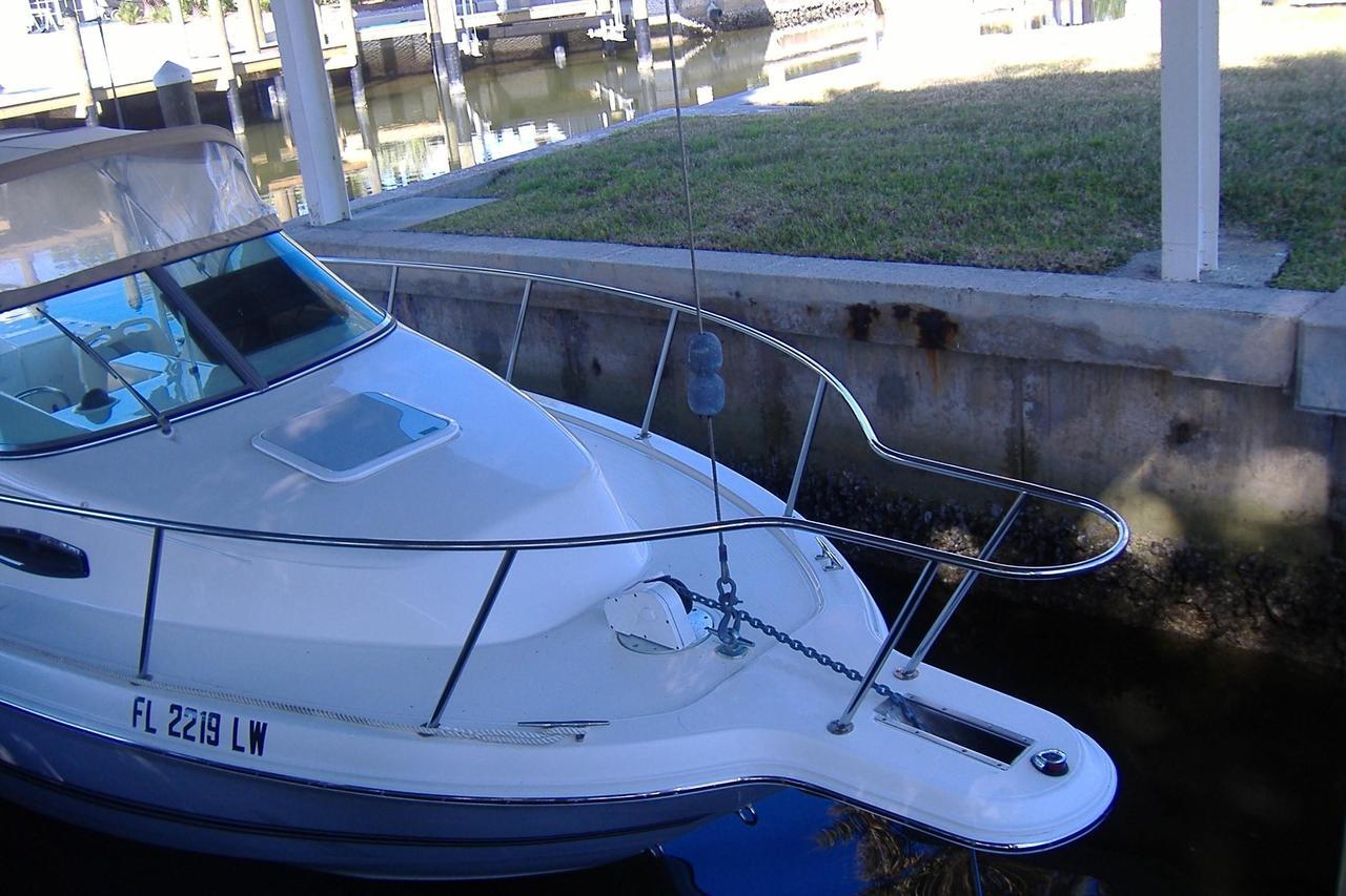2002 used wellcraft 24 walkaround saltwater fishing boat for Saltwater fishing boats for sale