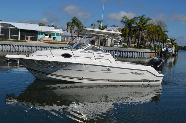 Used Wellcraft 250 Coastal Cuddy Cabin Boat For Sale