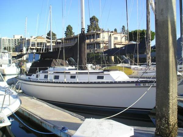 Used Endeavour 33 Cruiser Sailboat For Sale