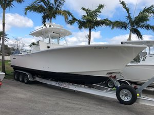 Used Regulator 34 SS Cuddy Cabin Boat For Sale