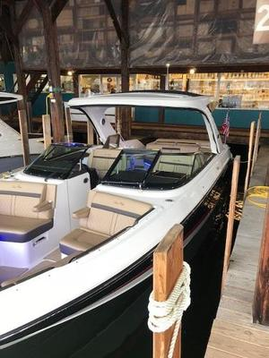 New Sea Ray Bowrider Boat For Sale