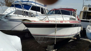 Used Wellcraft 3200 St.Tropez Express Cruiser Boat For Sale