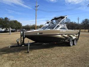 Used Mb B52 V23 Ski and Wakeboard Boat For Sale