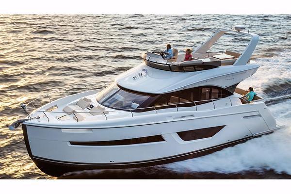 New Carver C52 Command Bridge Motor Yacht For Sale