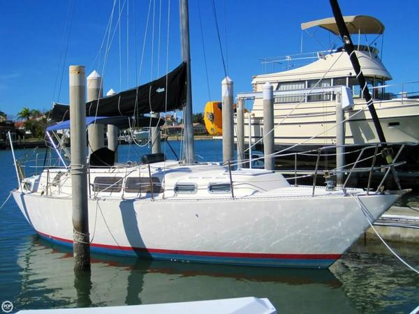 Used S2 Yachts 9.2 C Racer and Cruiser Sailboat For Sale