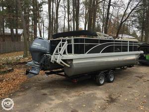 Used Bennington 2221 SSXAPG Pontoon Boat For Sale
