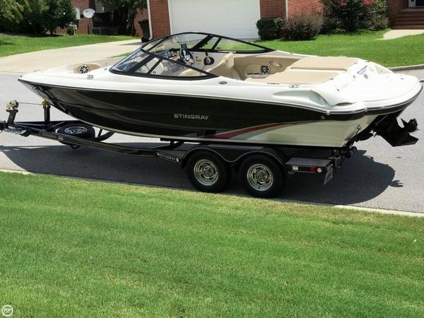 Used Stingray 225 LR Bowrider Boat For Sale