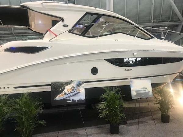 New Sea Ray 350 Sundancer Coupe Sports Cruiser Boat For Sale