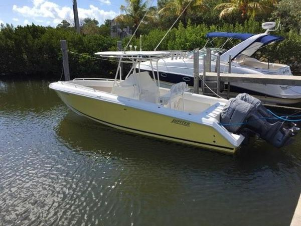 Used Jupiter Forward Seating Sports Fishing Boat For Sale
